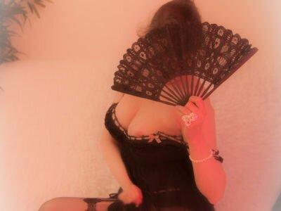 Massage-sensuel-_095_-Eva-paris--en-tant-qu'objet-dynamique---1